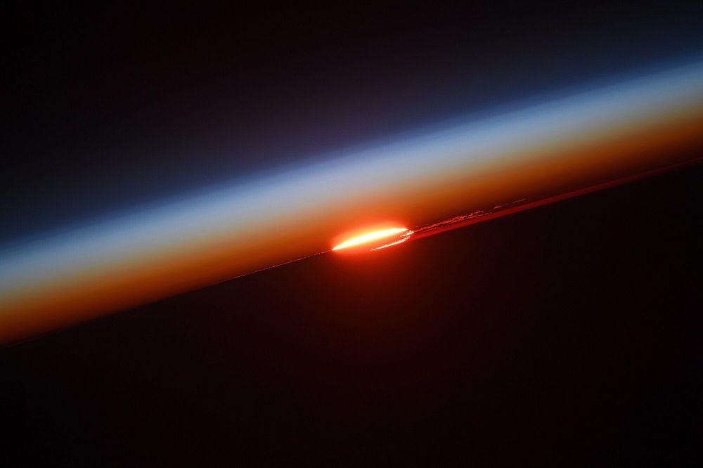 Pôr do sol visto da Estação Espacial Internacional