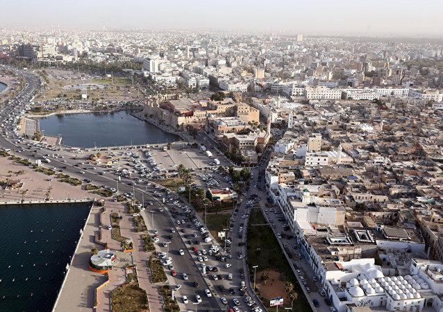Uma foto tirada de um helicóptero mostra a capital da Líbia, Trípoli. (Arquivo)