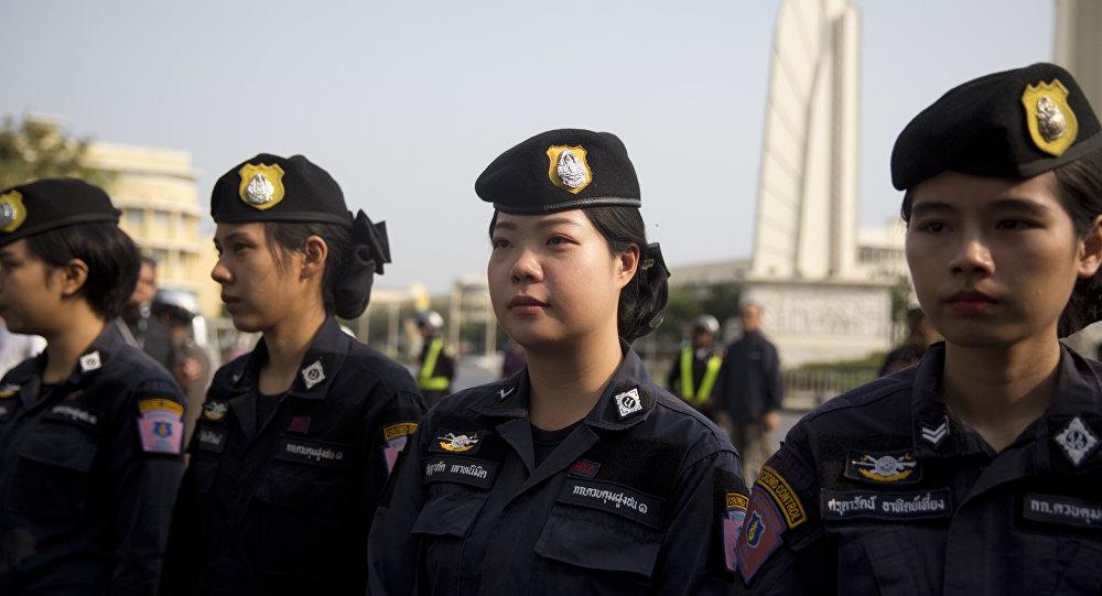 Mulheres da polícia de Tailândia em Bangkok (arquivo)