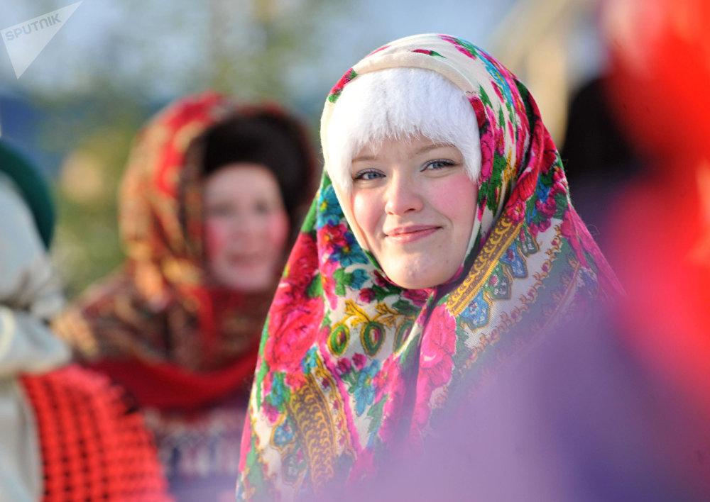 Russa fantasiada durante celebrações natalinas