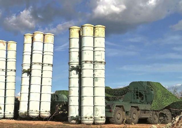 Sistemas de defesa antiaérea S-300 nas manobras Vostok 2018, no Extremo Oriente russo