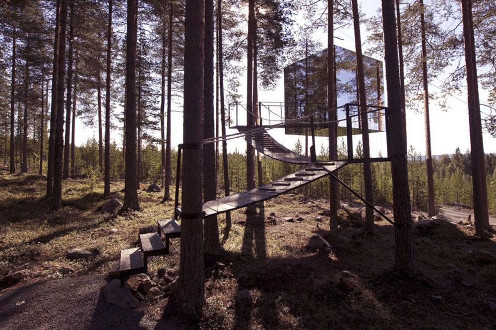 Casa na árvore, que funciona como hotel, localiza-se na cidade sueca de Harads