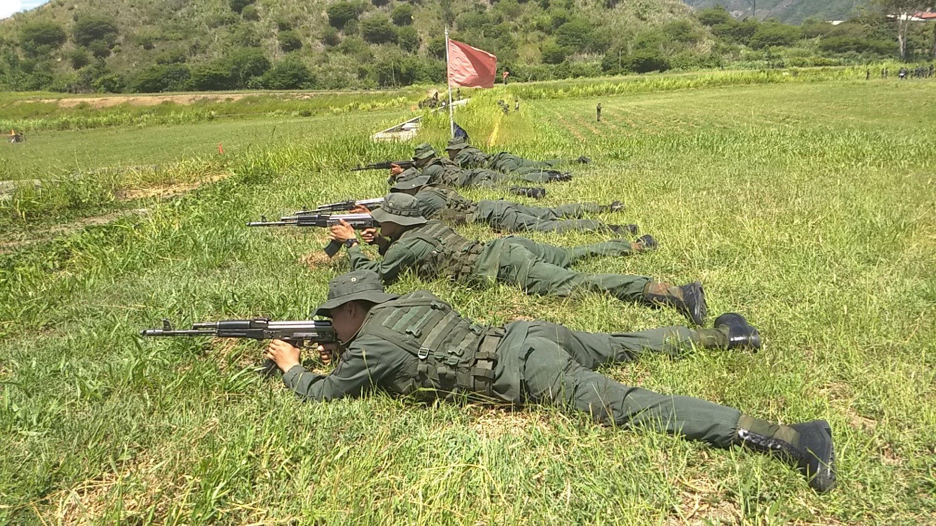 Soldados do Método Tático de Resistência Revolucionária