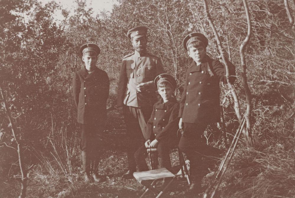 A foto com o imperador russo Nicolau II durante a caça