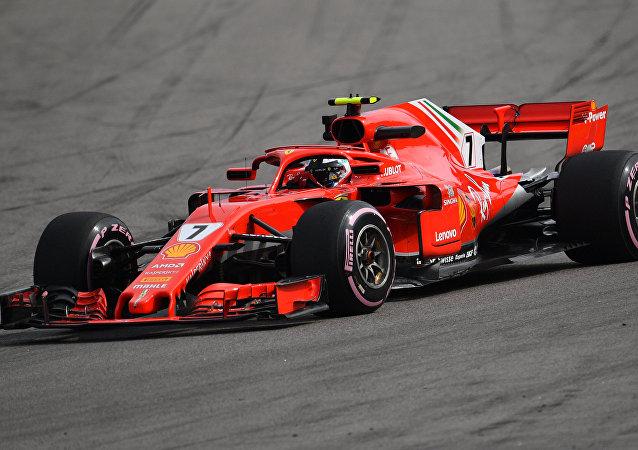 Piloto da Ferrari Kimi Raikkonen participa de treino livre para o Grande Prêmio da Rússia de Fórmula 1, Sochi, Rússia, 28 de setembro de 2018