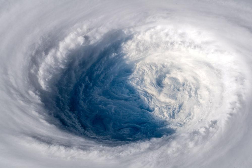 O supertufão Trami visto da Estação Espacial Internacional se movendo em direção ao Japão.