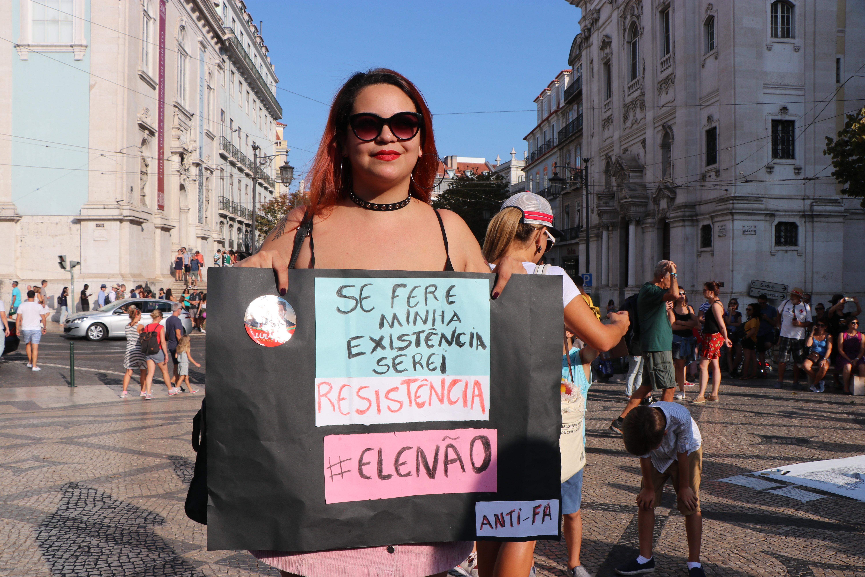 Gabriela Silva foi uma das brasileiras que participou do ato contra Bolsonaro em Lisboa