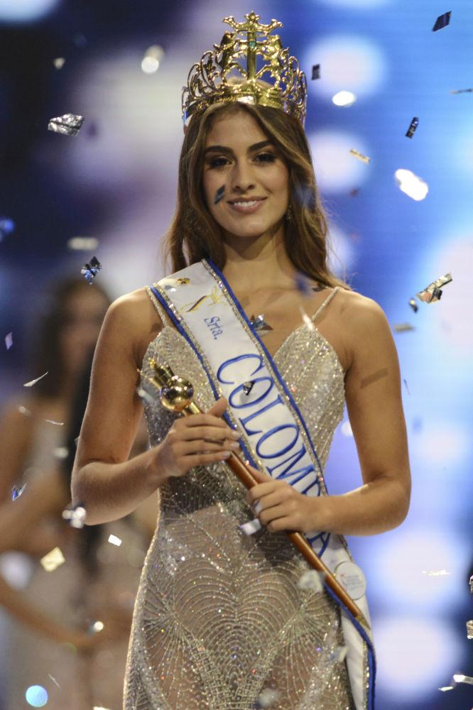 Vencedora do concurso Miss Colômbia 2018, Valéria Morales, posa para foto com sua coroa na cidade colombiana de Medellín
