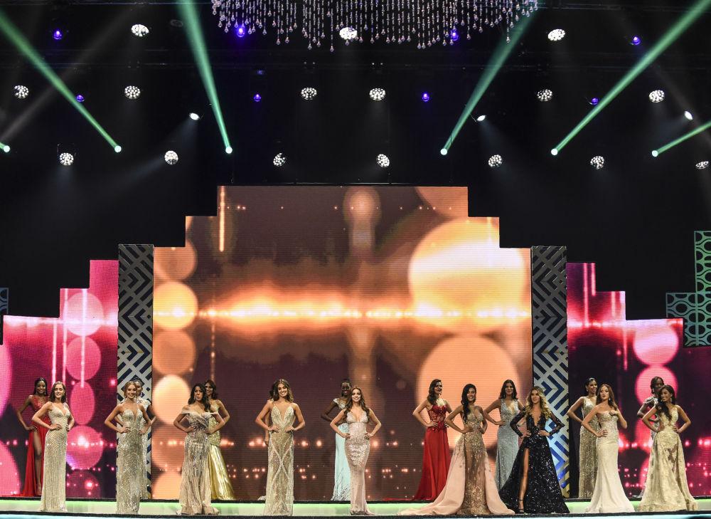 Participantes durante concurso Miss Colômbia, realizado na cidade colombiana de Medellín, em 30 de setembro de 2018