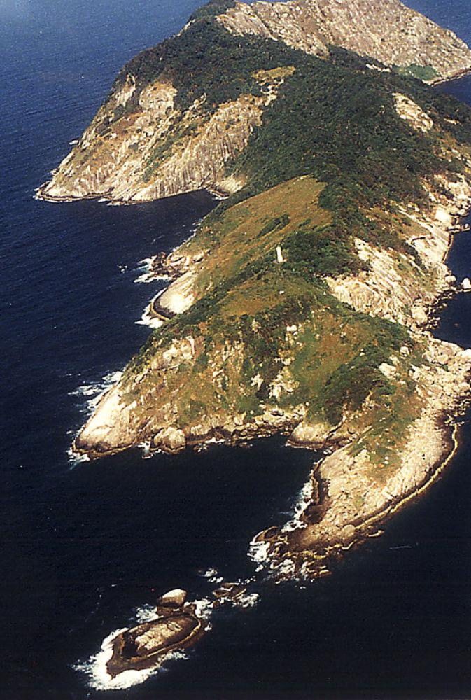 Ilha de Queimada Grande. A ilha brasileira é famosa por abrigar 5 cobras por metro quadrado