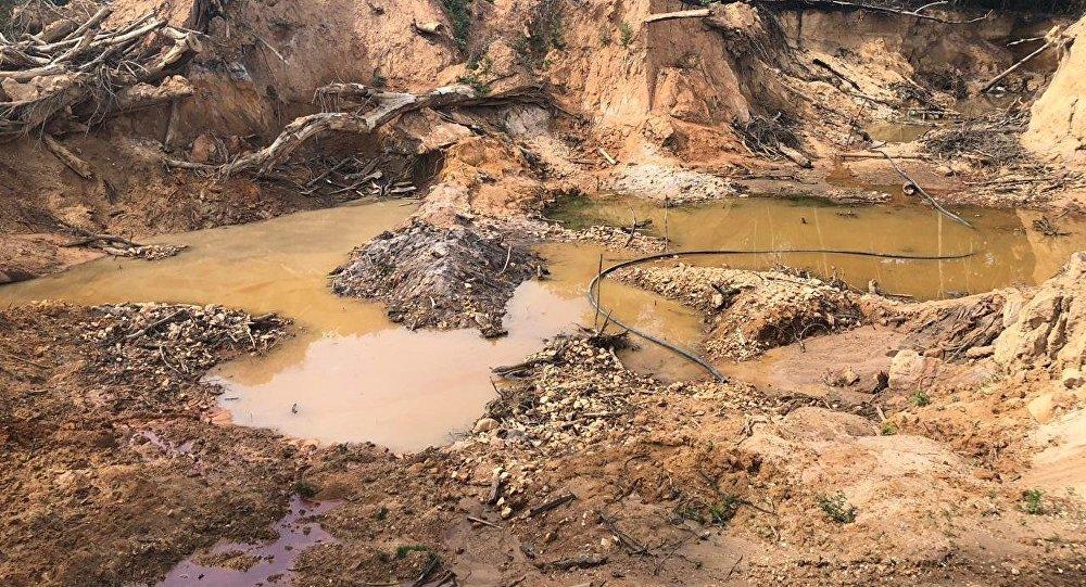 Garimpagem ilegal na região da Tribo Indígena Sararé, no Mato Grosso do Sul.