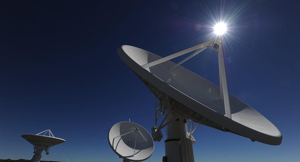 Radiotelescópio MeerKAT em fase de construção, Cabo Setentrional, África do Sul, 30 de março de 2010