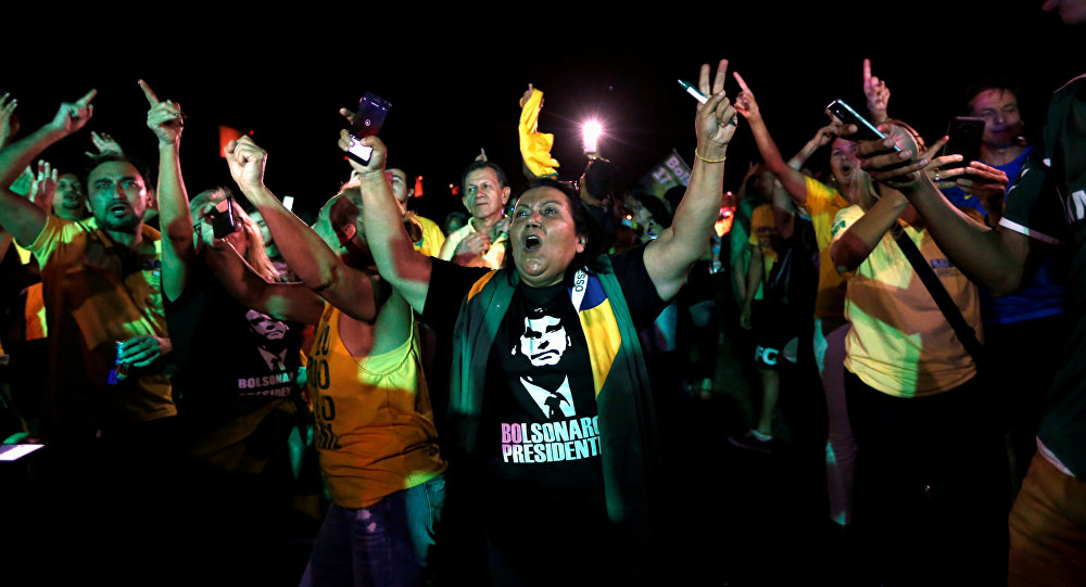 Simpatizantes de Jair Bolsonaro no dia do primeiro turno das eleições, em 7 de outubro de 2018