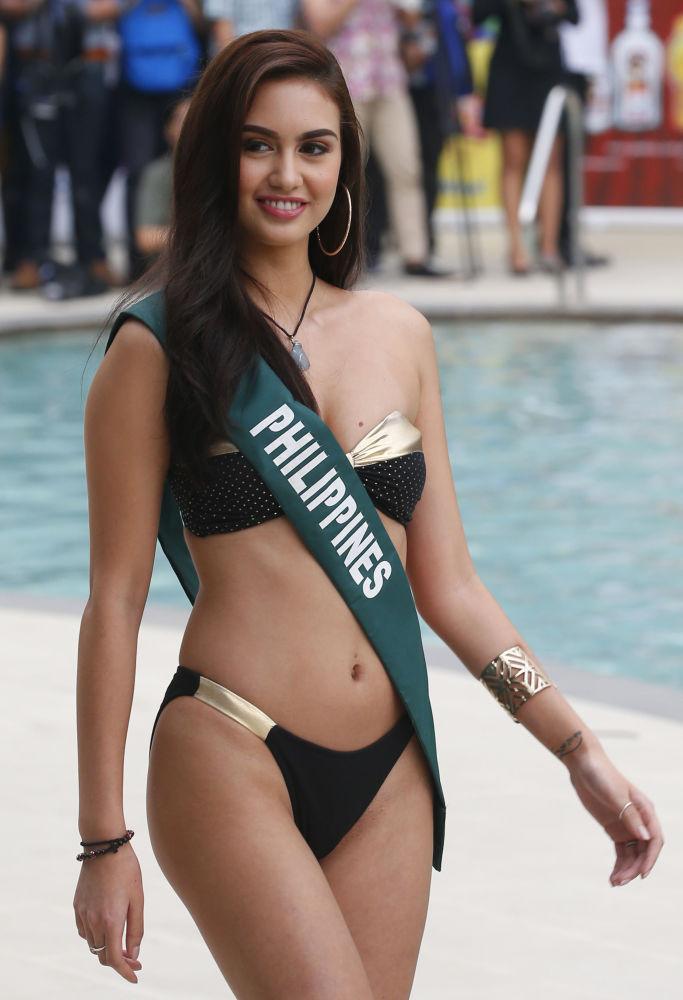 Celeste Cortesi, representante das Filipinas, país sede do concurso Miss Terra 2018, Manila, 11 de outubro de 2018