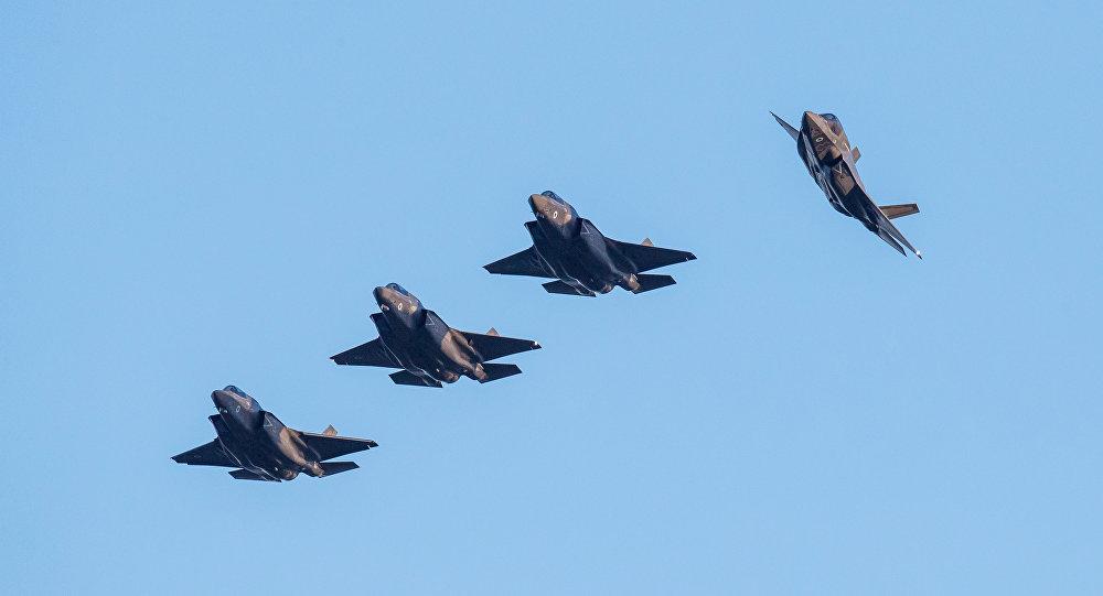 Reino Unido recebe seus primeiros quatro caças F-35B da Lockeed Martin