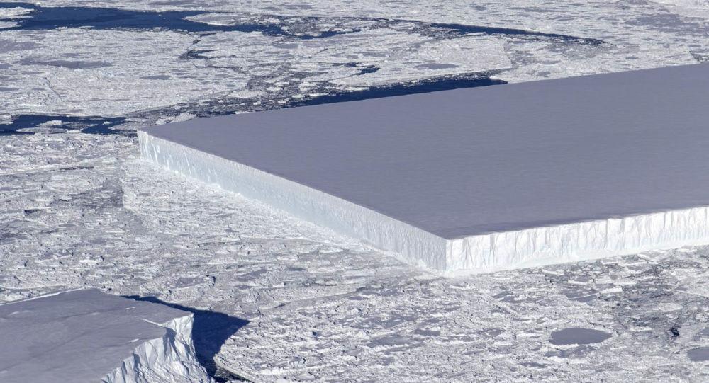 Iceberg de forma retangular descoberto na Antártida por cientistas da NASA