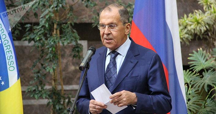 Chanceler russo Sergei Lavrov discursa durante a abertura da exposição dedicada ao 190° aniversário das relações bilaterais russo-brasileiras, no Ministério das Relações Exteriores da Rússia, em 26 de outubro de 2018