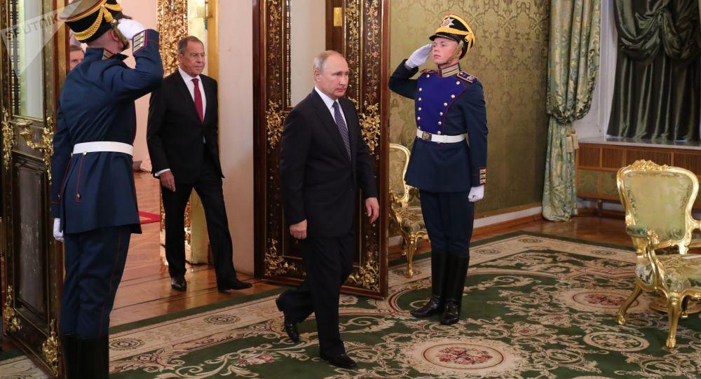 Presidente russo Vladimir Putin durante o encontro com o premiê italiano Giuseppe Conte