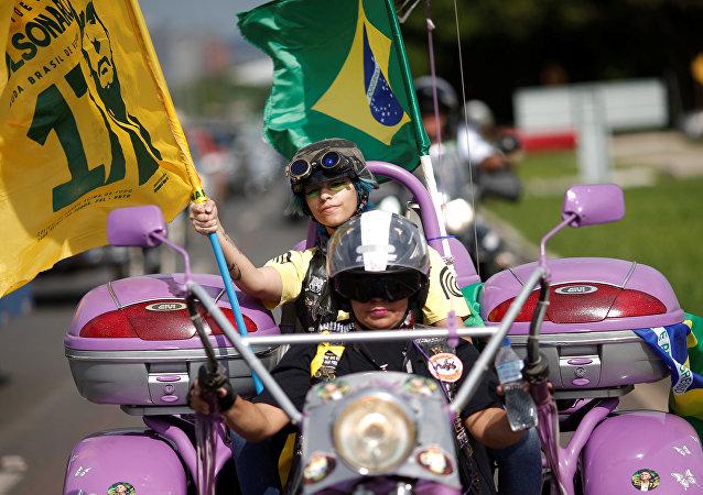 Apoiadores de Bolsonaro durante uma manifestação em Brasília, em 27 de outubro de 2018