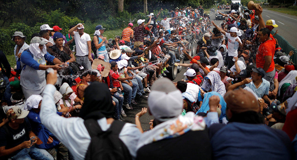 Carava de imigrantes rumo aos Estados Unidos. Foto feita no México em 22 de outubro de 2018.