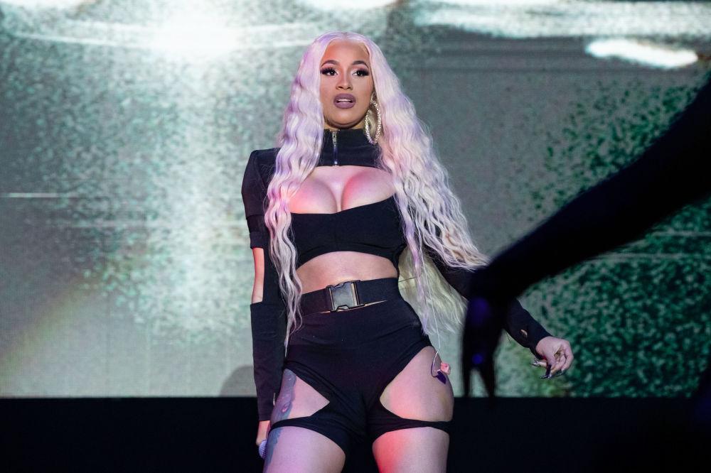 Cantora americana de hip-hop, Cardi Bee, apresentando-se no festival de música Mala Luna nos EUA