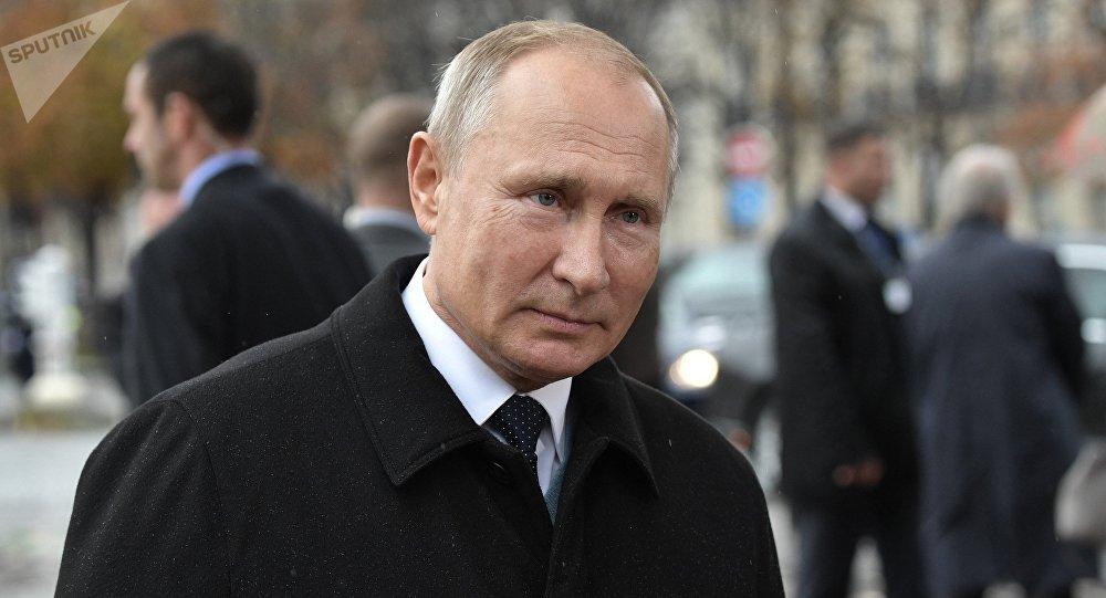 Vladimir Putin, presidente da Rússia, participa dos eventos comemorativos ao 100º aniversário do armistício na Primeira Guerra Mundial, em Paris, em 11 de novembro de 2018