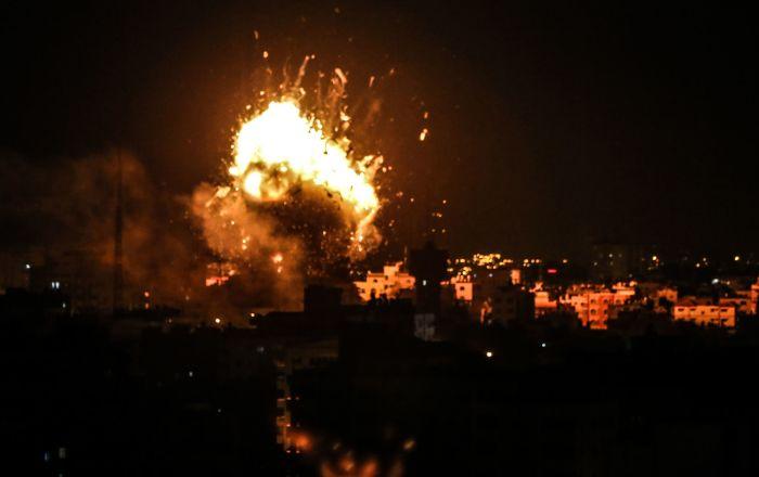 Ataque israelense com mísseis à Faixa de Gaza