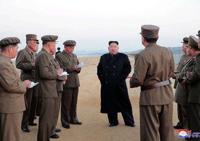 Líder norte-coreano presencia testes de arma tática recém-desenvolvida, 16 de novembro de 2018