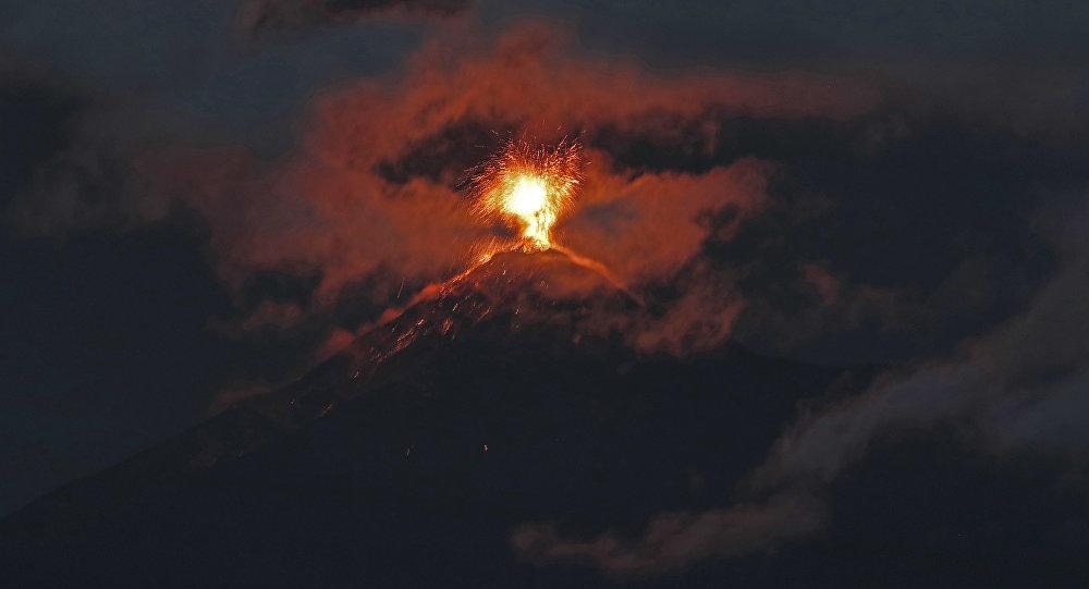 Erupção de vulcão de Fuego