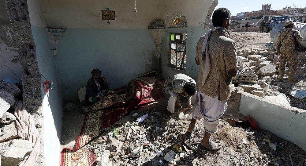 Casa destruída por bombardeio no Iêmen.