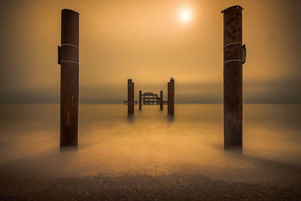 Cais ocidental de Brighton, imagem do fotógrafo Ben Nazarko