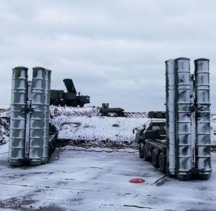 Sistemas de defesa antiaérea S-400