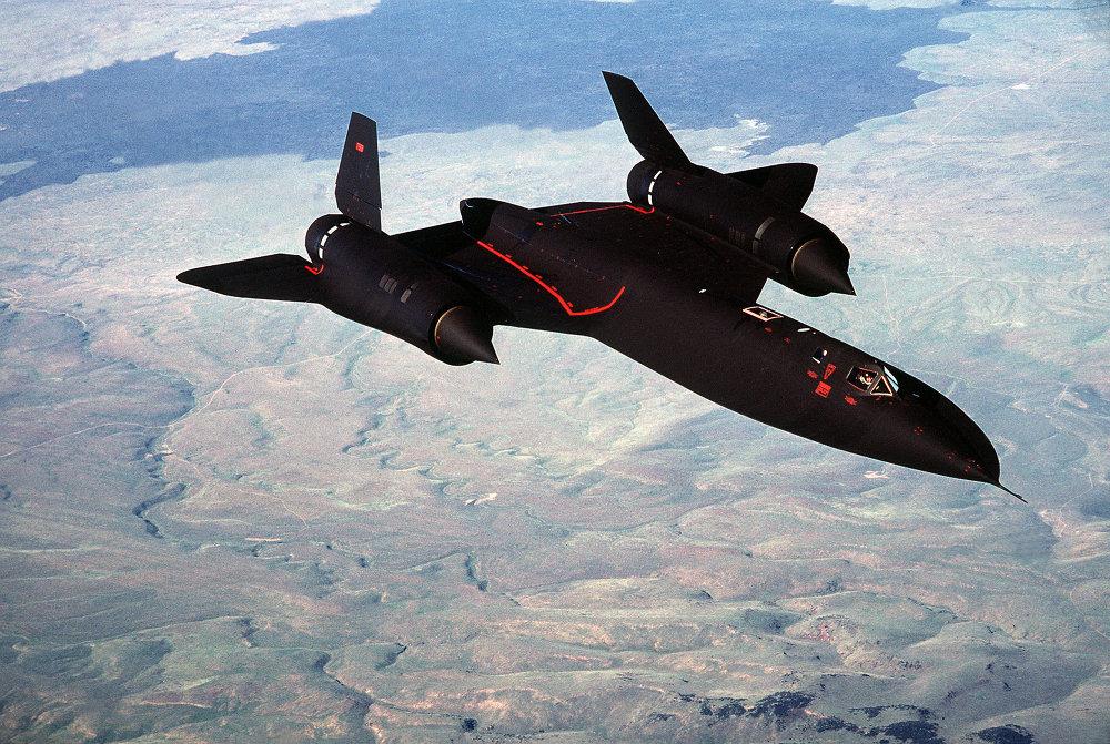 Avião de reconhecimento estratégico estadunidense SR-71A Blackbird.