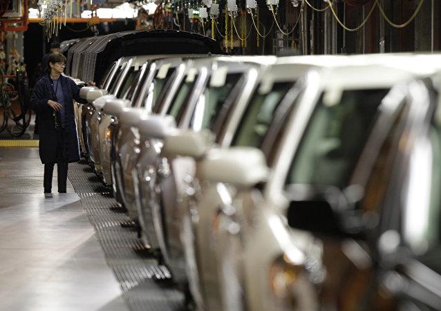 Linha de montagem da GM.