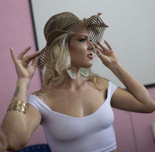 Verônica Verone, de 25 anos, foi a vencedora do 13º concurso anual de beleza Miss Talavera Bruce, realizado na Penitenciária Talavera Bruce, no Rio de Janeiro, Brasil, em 4 de dezembro de 2018