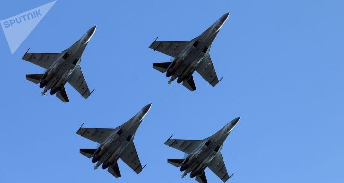 Caças russos Su-35S