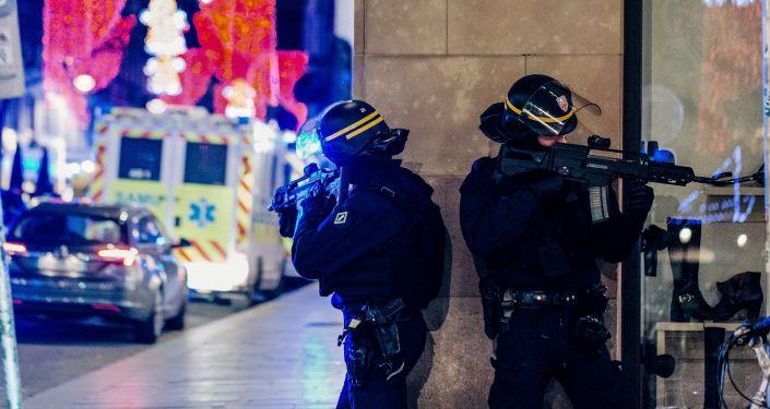Polícia no local de tiroteio em Estrasburgo