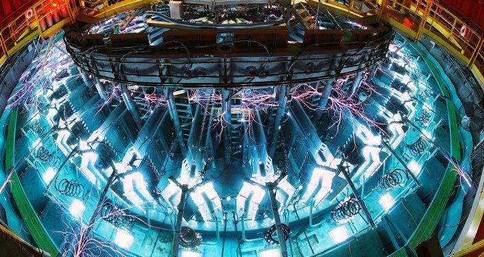 Saturno, uma das máquinas de força pulsante de Sandia, em operação no Laboratório Nacional Sandia (SNL), na cidade norte-americana de Albuquerque (imagem referencial)
