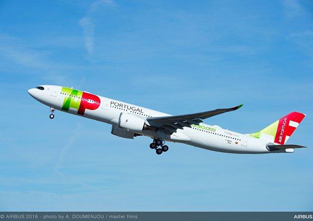 Novo Airbus A330neo decolando