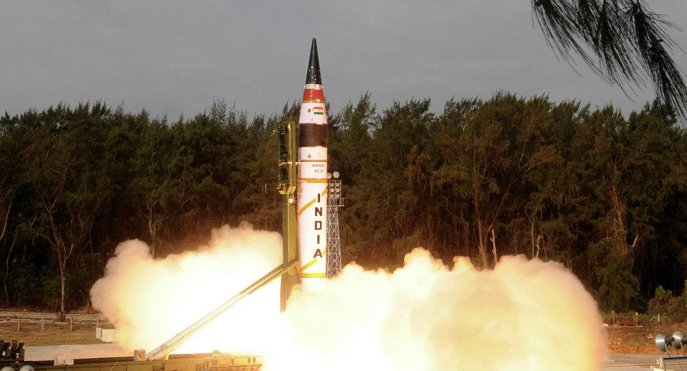 A Índia realizou com sucesso o lançamento de teste do seu inovador míssil balístico intercontinental Agni-5