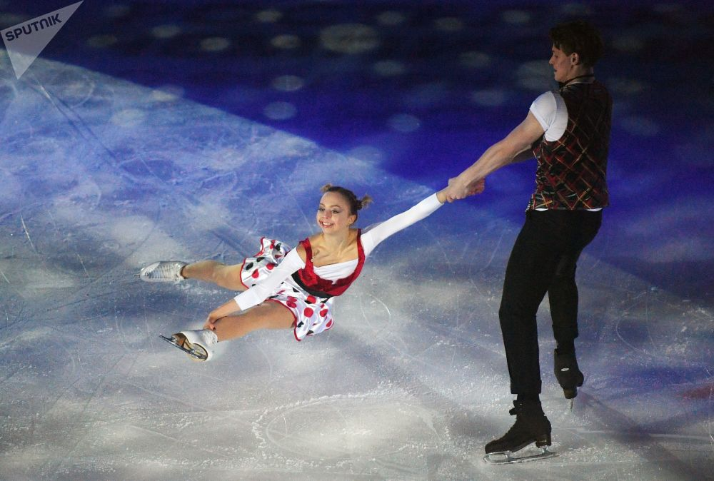 Aleksandra Boikova e Dmitry Kozlovsky participam do Campeonato Russo de Patinação Artística no Gelo, na capital da república russa de Mordóvia, Saransk