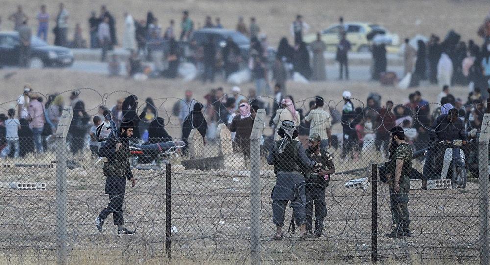Fronteira entre Akcakale, na Turquia, e Tel Abyad, na Síria