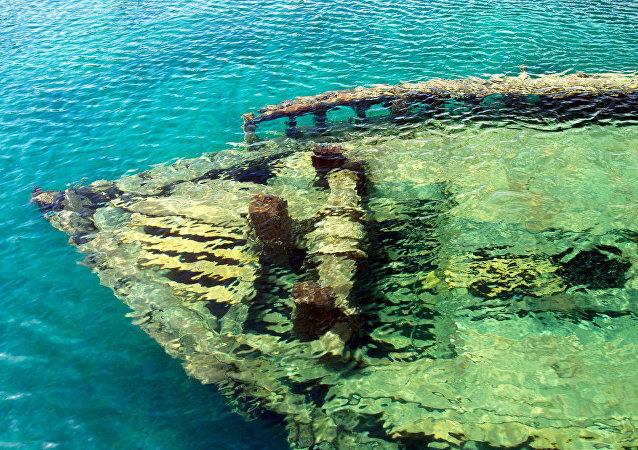 Escuna Sweepstakes, uma das embarcações naufragadas mais visitadas do mundo, em Tobermory, Ontário, Canadá (imagem referencial)