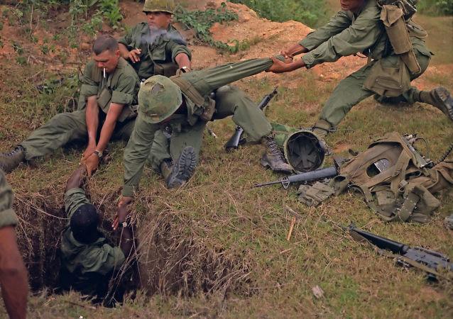 Operação contra guerrilheiros subterrâneos no Vietnã em 1967
