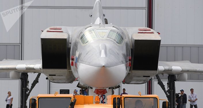 Tu-22M3M, bombardeiro modernizado russo, é visto durante a cerimônia de rolagem, na Fábrica de Aviões de Kazan