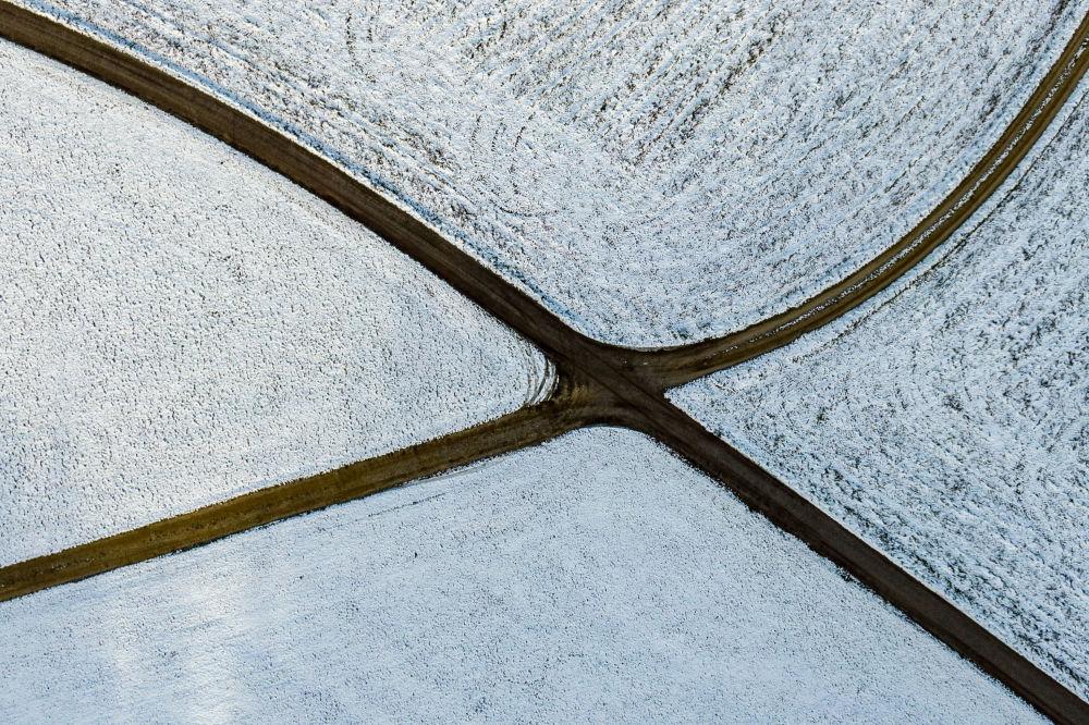 Campos cobertos de neve na cidade de Simbach, ao sul da Alemanha, em 29 de novembro de 2018