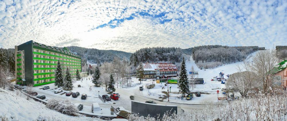 Vista pitoresca da estação Belokurikha, na região de Altai