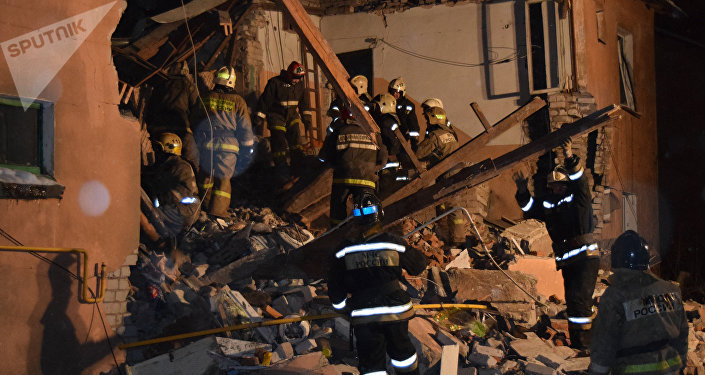 Um edifício residencial colapsa na Rússia após explosão de gás
