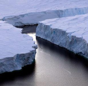 Gelo na Antártida, imagem ilustrativa