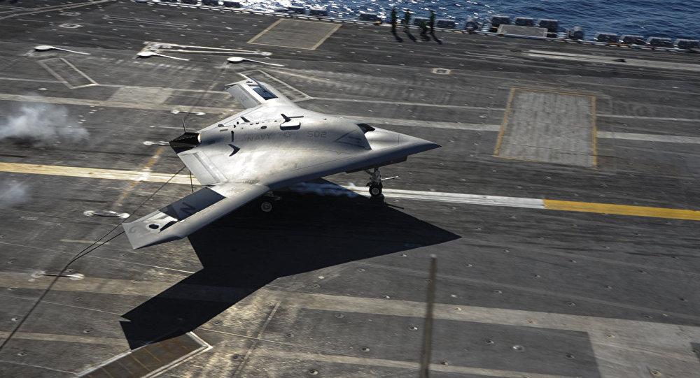 Um drone chinês em porta-aviões